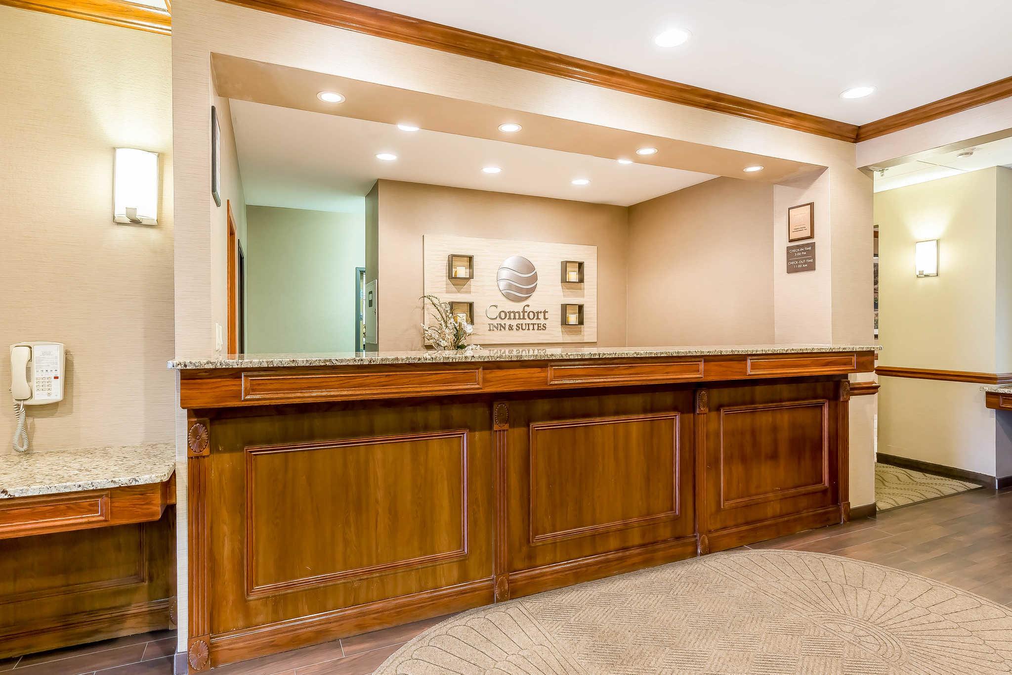fort Inn & Suites East Moline Illinois IL