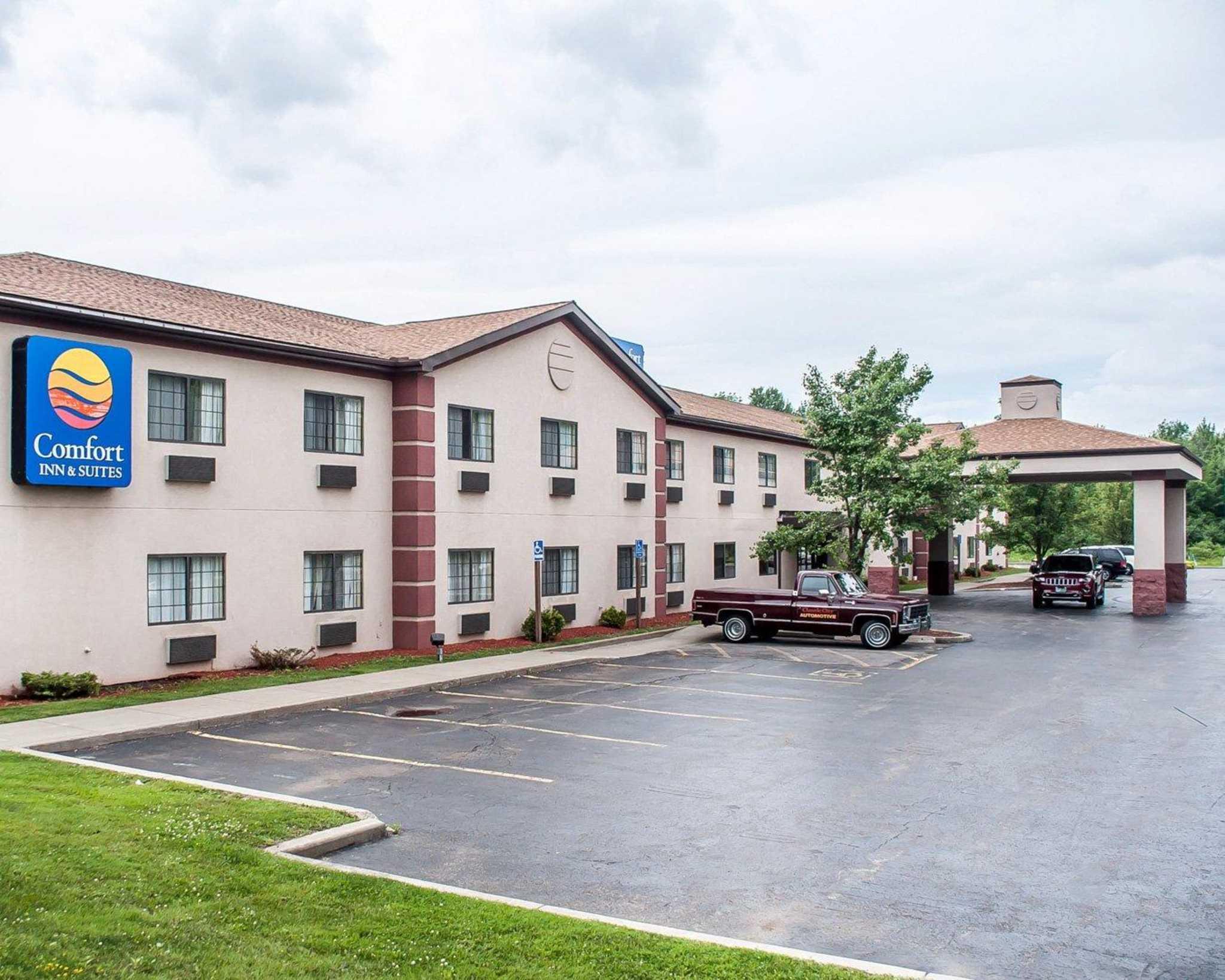 Comfort Inn  U0026 Suites  Hamburg New York  Ny