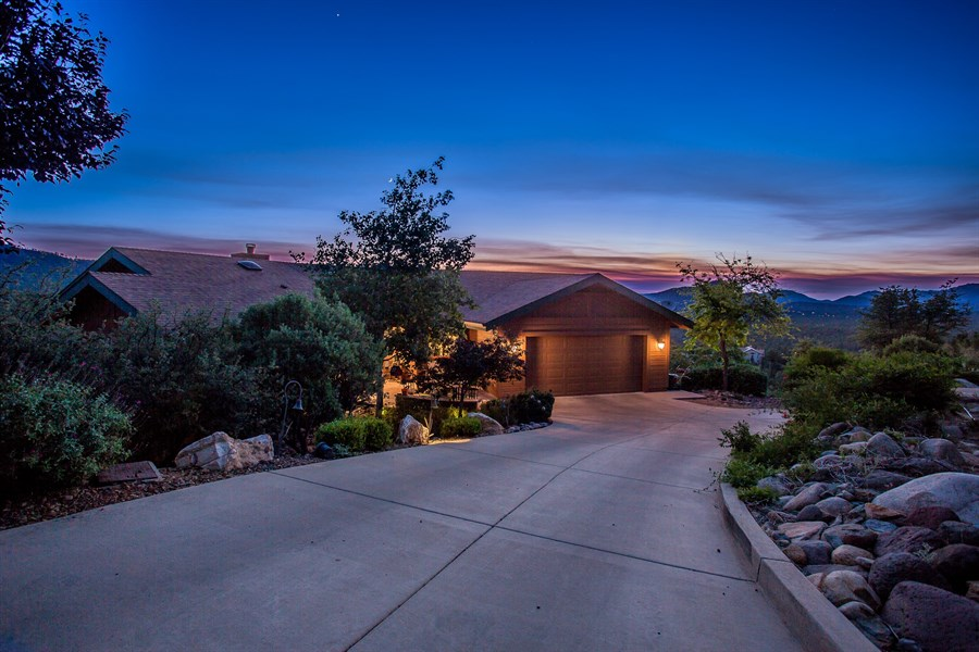 Yavapai Hills Sudivision Donny Karcie, MBA RE/MAX Mountain Properties 731 W Gurley Street / Prescott, AZ 86305 (928) 899-4772 http://www.featureprescott.com