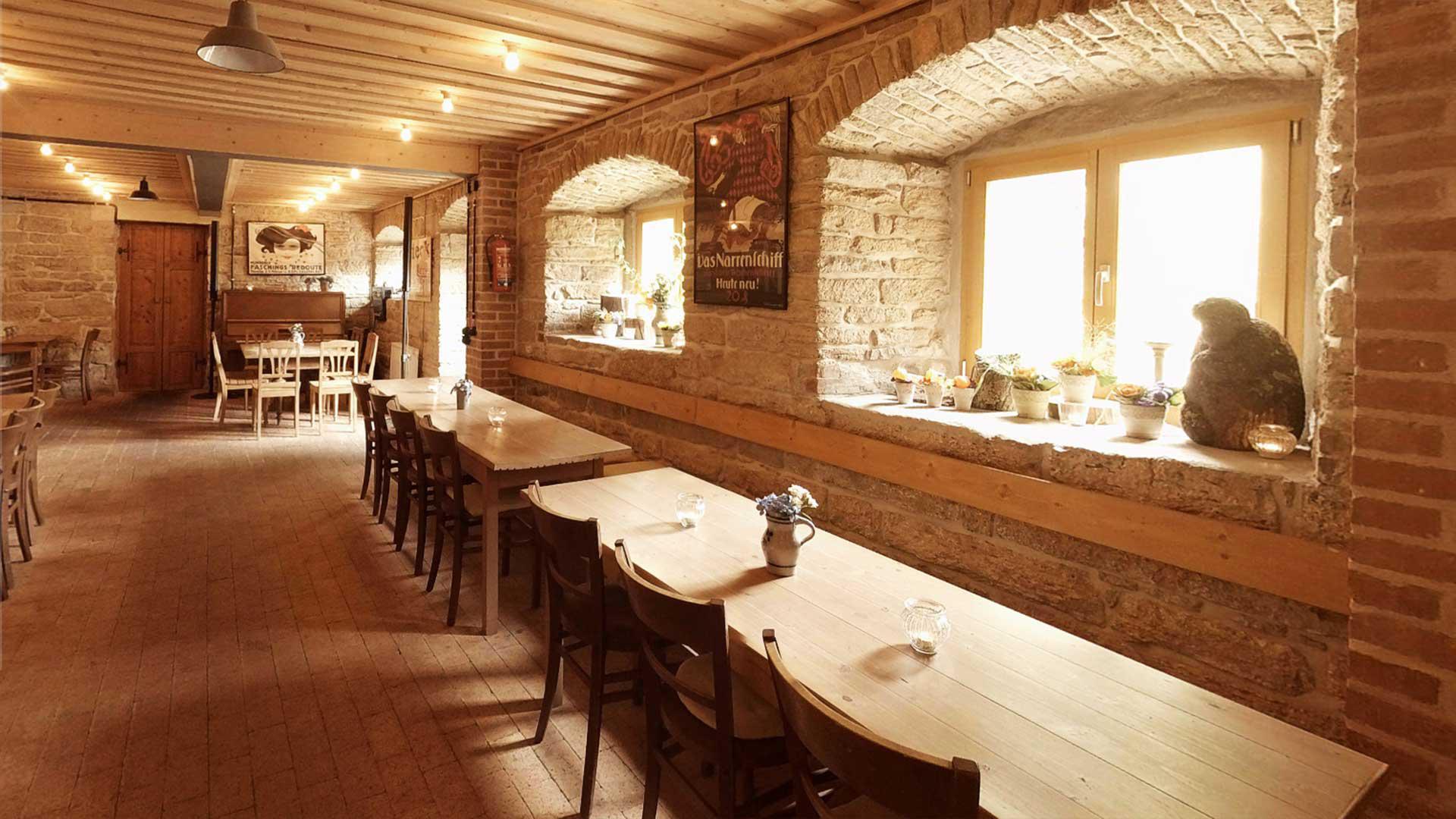 Krone Alt-Hoheneck - Das Gasthaus mit Festsaal am Neckar