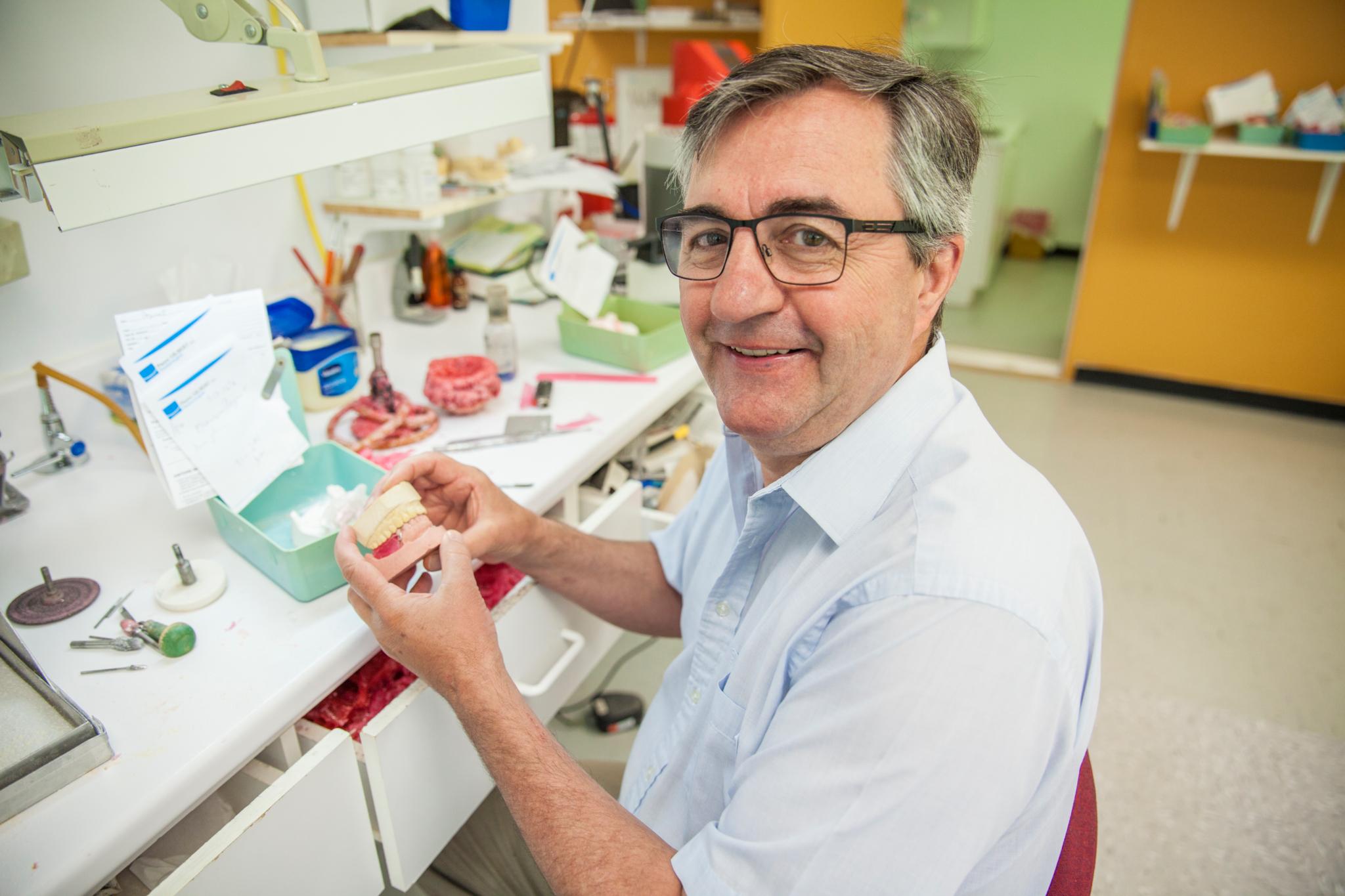 Pierre Gilbert Denturologiste Inc Saint-Georges (418)228-7718