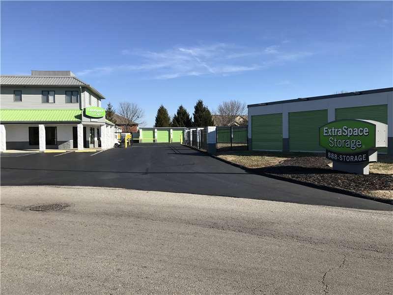 Charmant Extra Space Storage. 4605 Wattbourne Ln, Louisville, Kentucky 40299