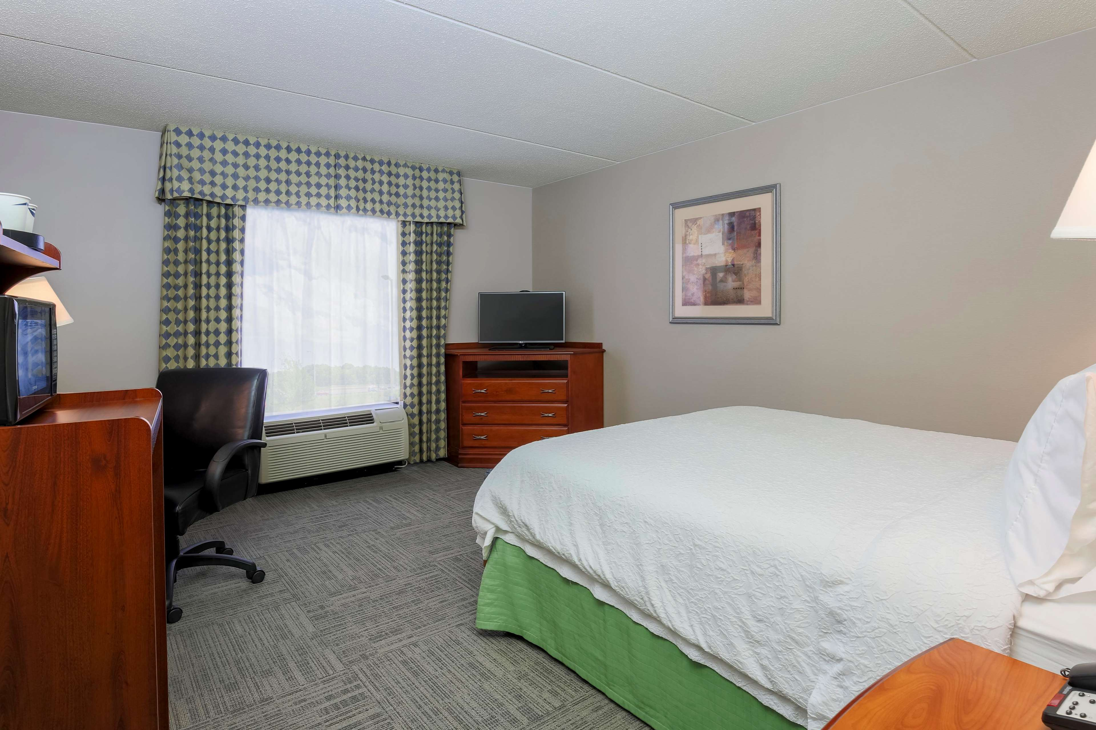 Hampton Inn and Suites New Haven-South-West Haven, CT Hotel