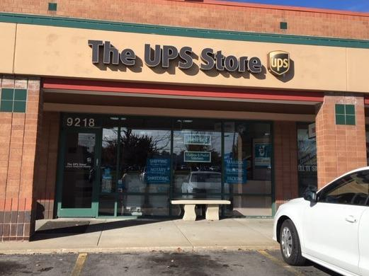 Exterior storefront image of The UPS Store #4279 in Overland Park, KS