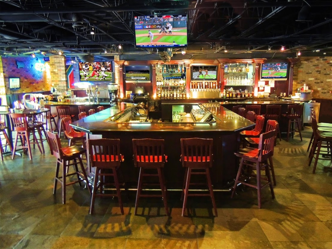 Marina 84 Sports Bar Amp Grill Coupons Near Me In Fort