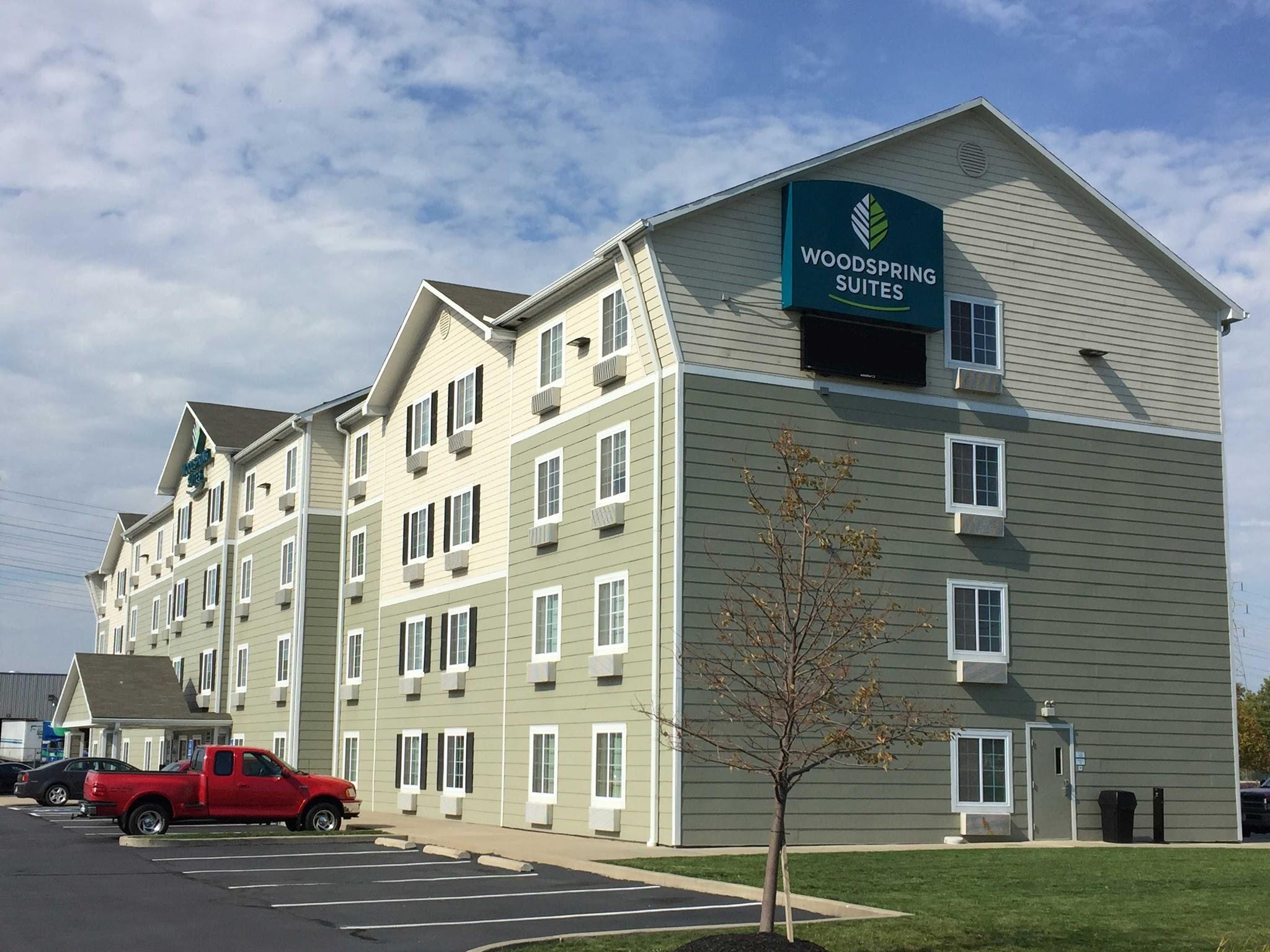 WoodSpring Suites Cleveland Avon