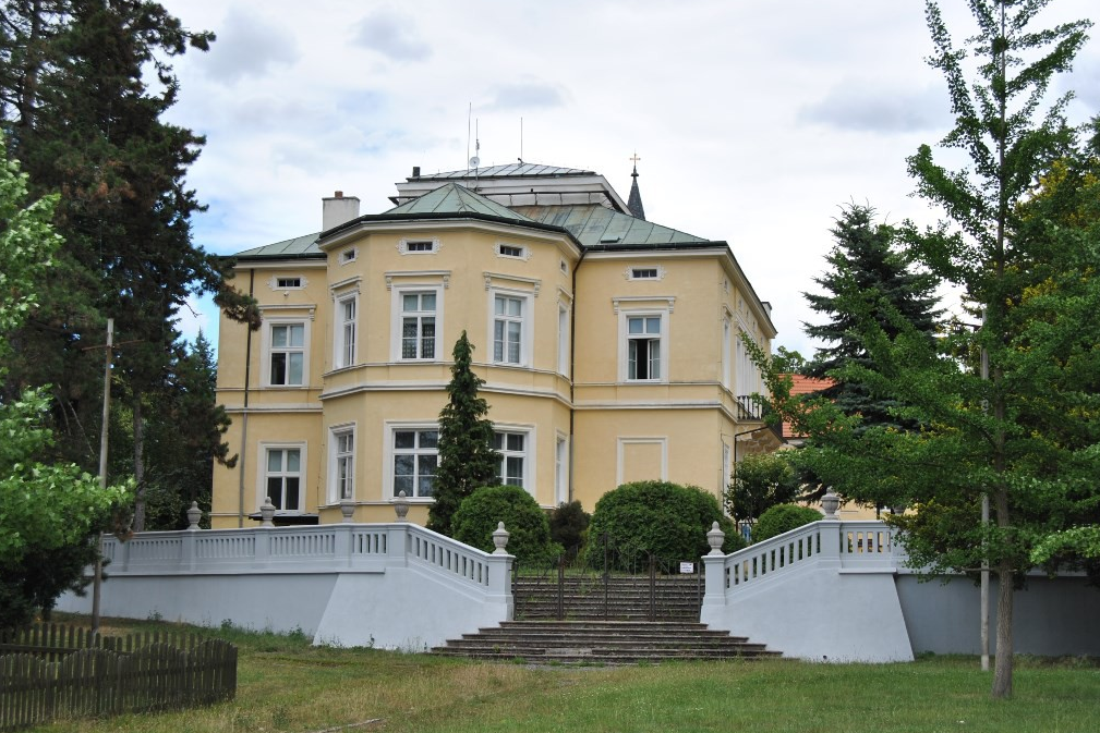 Dětský domov Praha 9-Dolní Počernice, příspěvková organizace