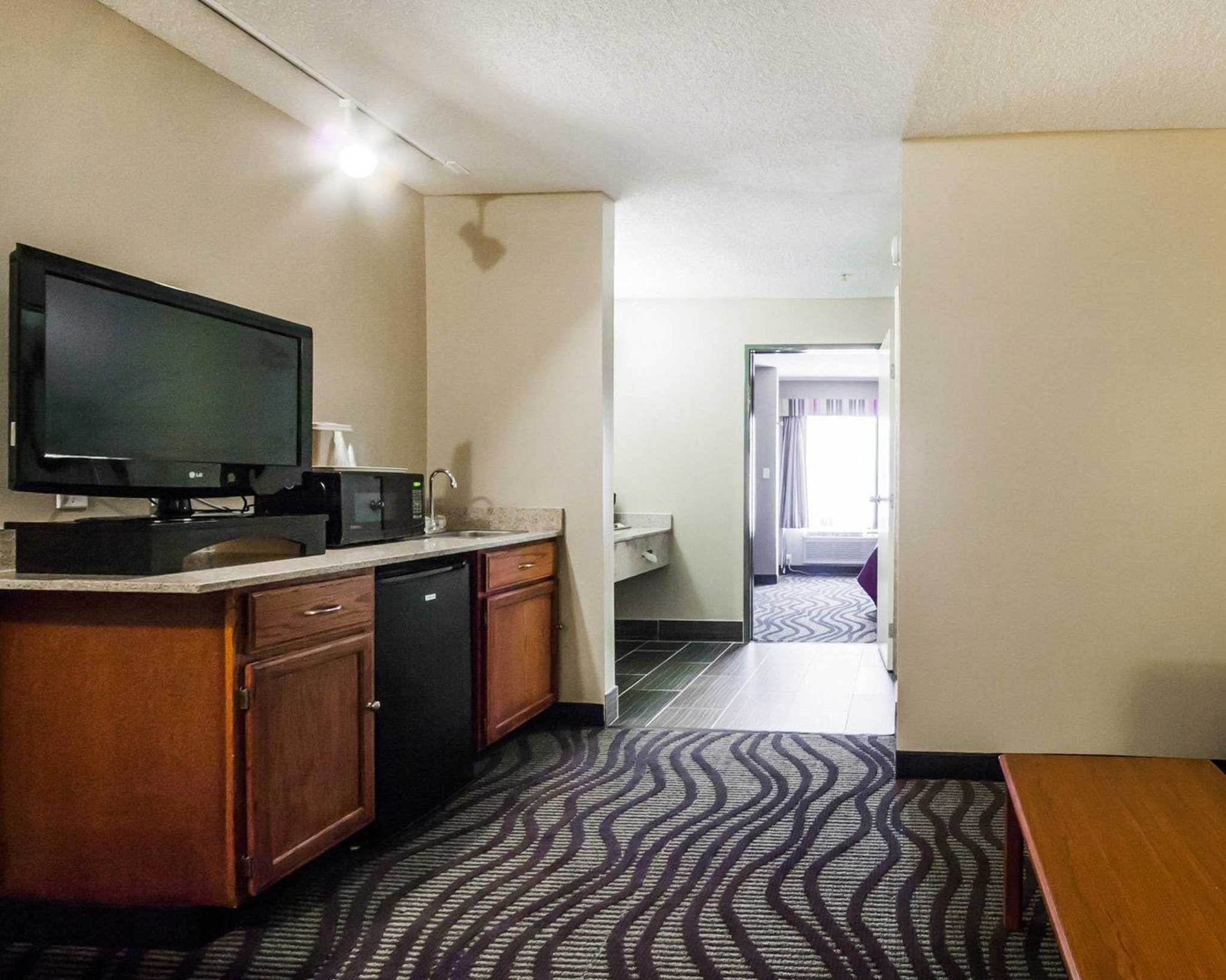 Quality Suites Near Wolfchase Galleria Cordova Tennessee Tn Localdatabase Com