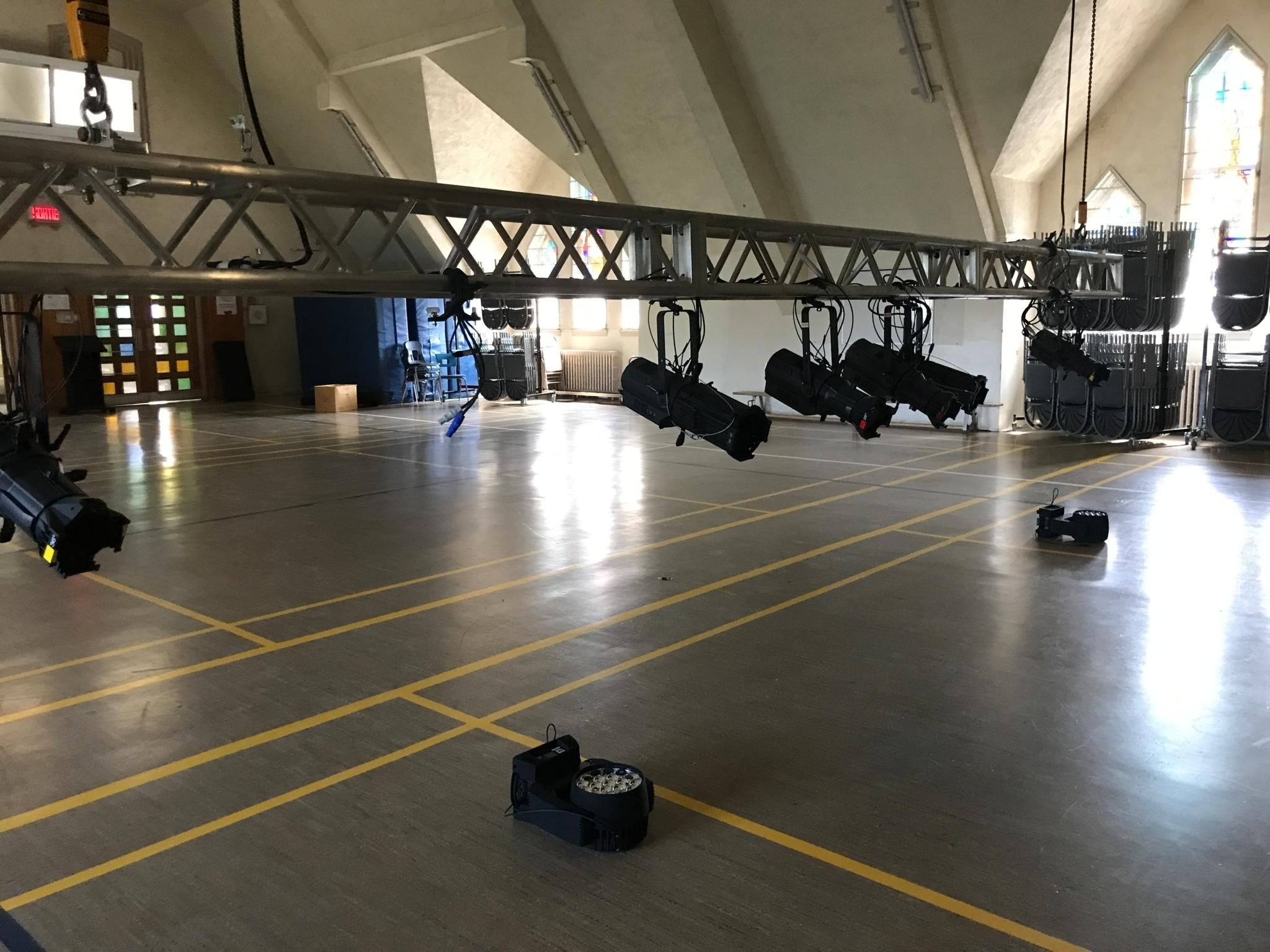 E-lite inc à Montréal: Professional DMX lighting installation for an auditorium in a college in Montreal. Chauvet Pro.