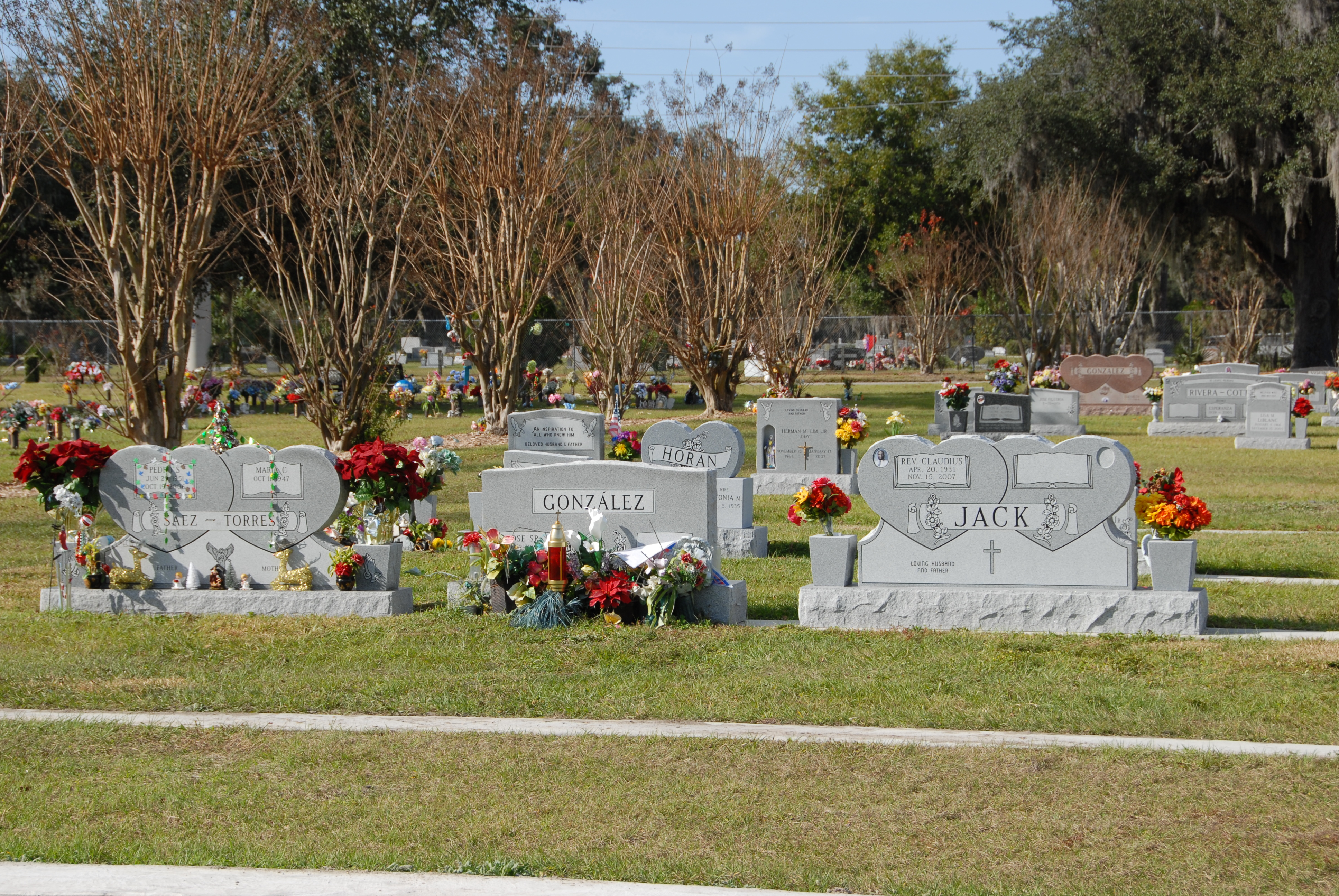 Osceola Memory Gardens Cemetery Funeral Homes Crematory In Kissimmee Fl 34744