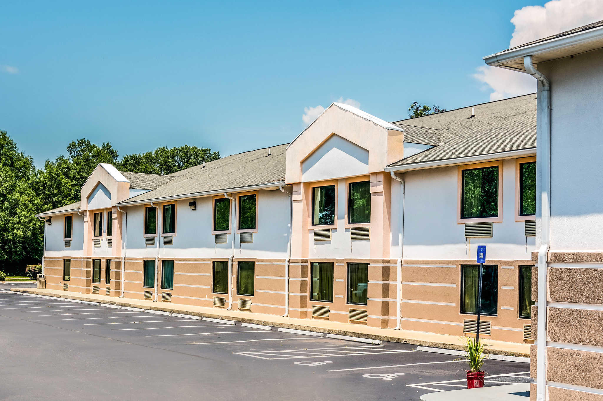 Hotels Near Sandersville Ga
