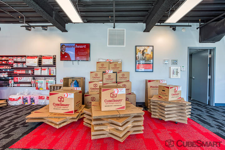 CubeSmart Self Storage Tampa (813)393-1252