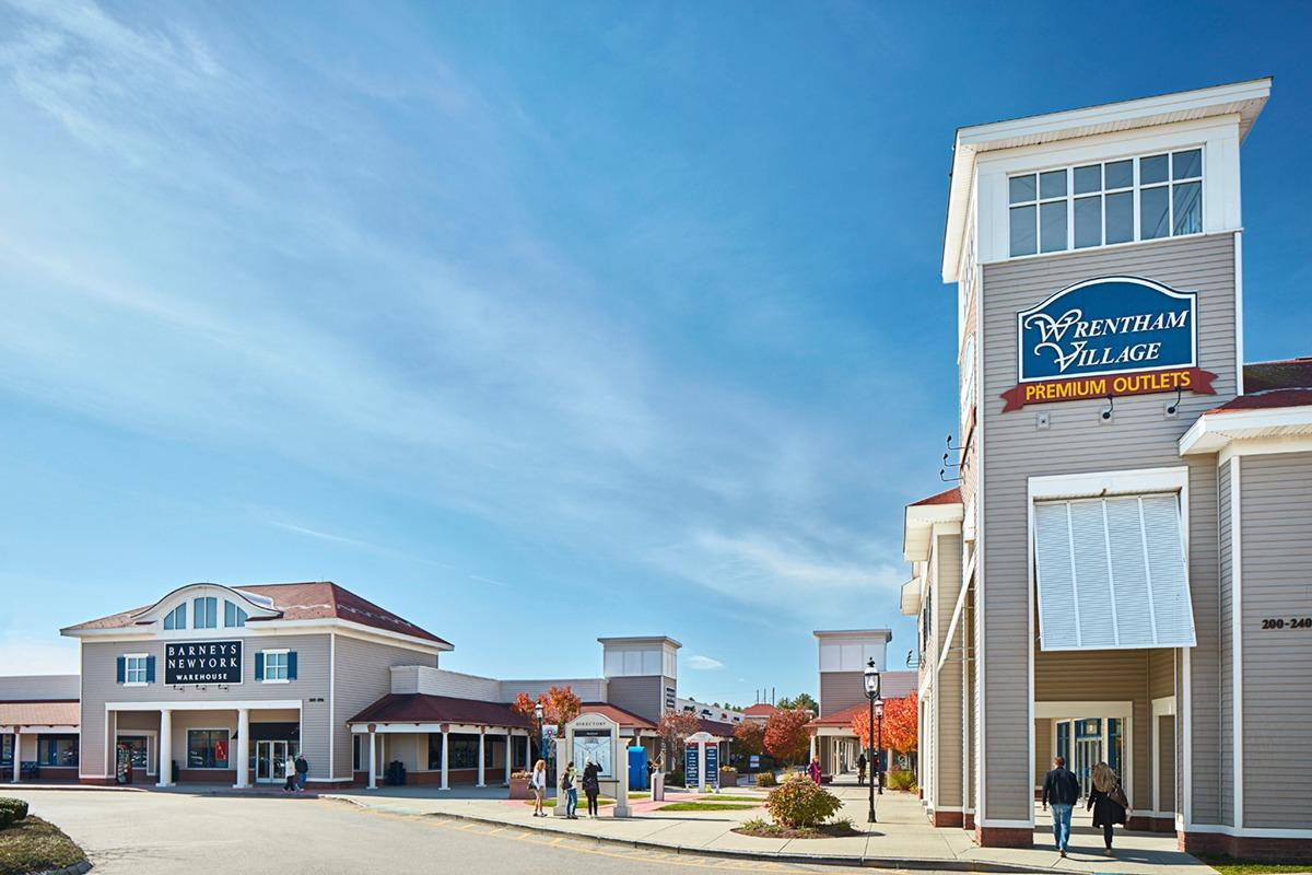 Wrentham Village Premium Outlets at 1 Premium Outlet Blvd, Wrentham, MA mall locations, hours, store lists, phone numbers, service information and more.
