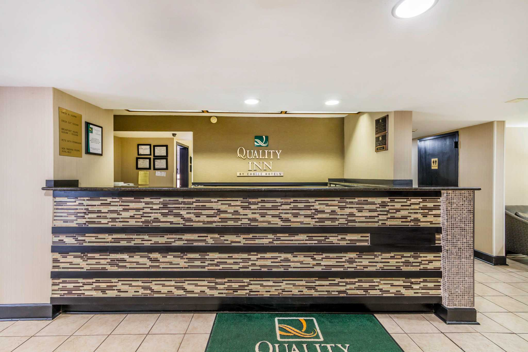 Business Travel If you're looking for a hotel in Tybee Island GA to meet your business travel needs or a place to stay that's just 20 minutes from Savannah, confidently depend on us at Atlantis Inn .