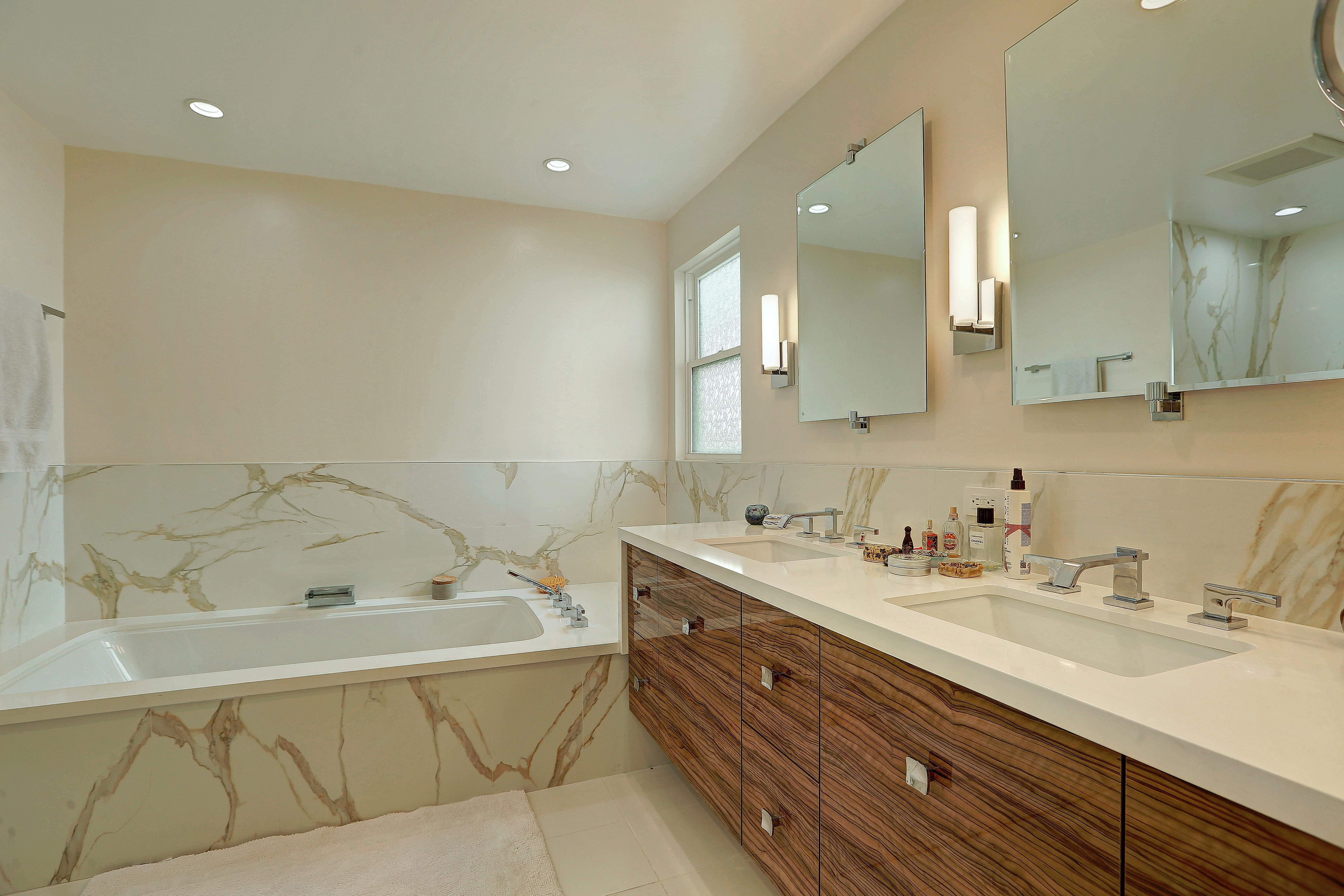 How To Distress Bathroom Cabinets Specially For Los Angeles Deebonk