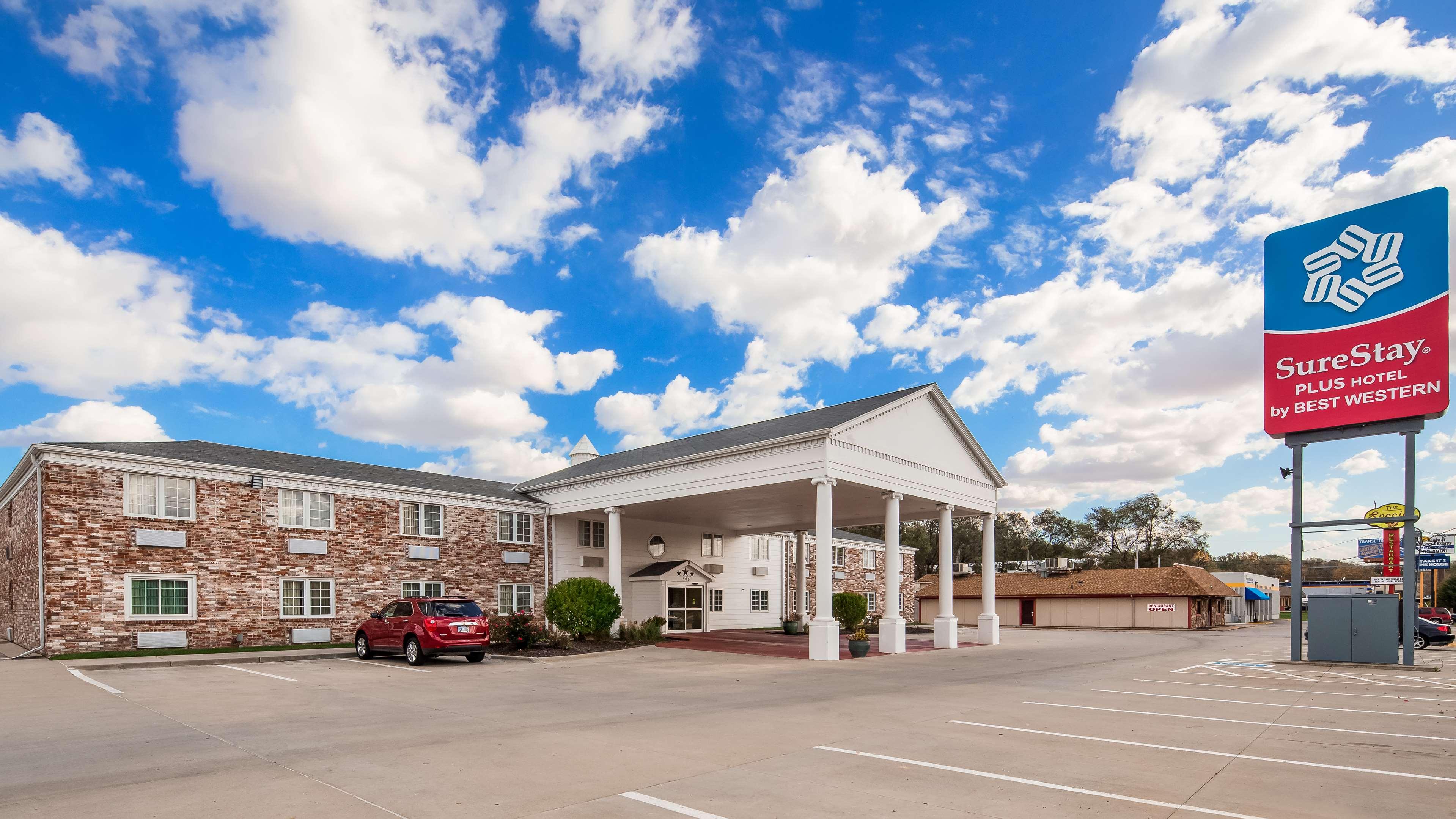 Surestay Plus Hotel By Best Western Omaha South In Bellevue  Ne 68005
