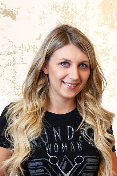 Salon Couture - Christina Scheubrein