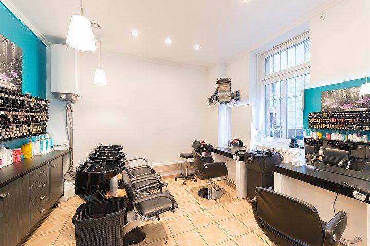 friseur salon star fris re frankfurt am main deutschland tel 06927299. Black Bedroom Furniture Sets. Home Design Ideas