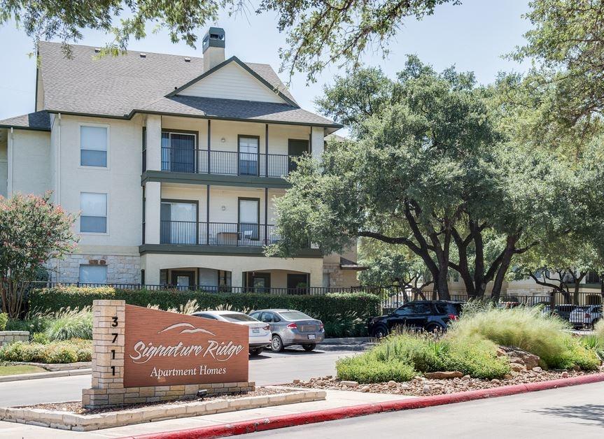 Signature Ridge Apartments San Antonio