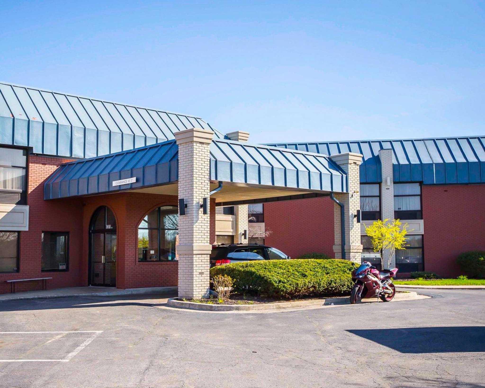 Rodeway Inn In Merrillville In 46410