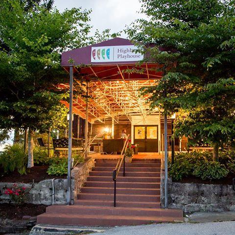 Restaurants Near  Main Highlands Nc
