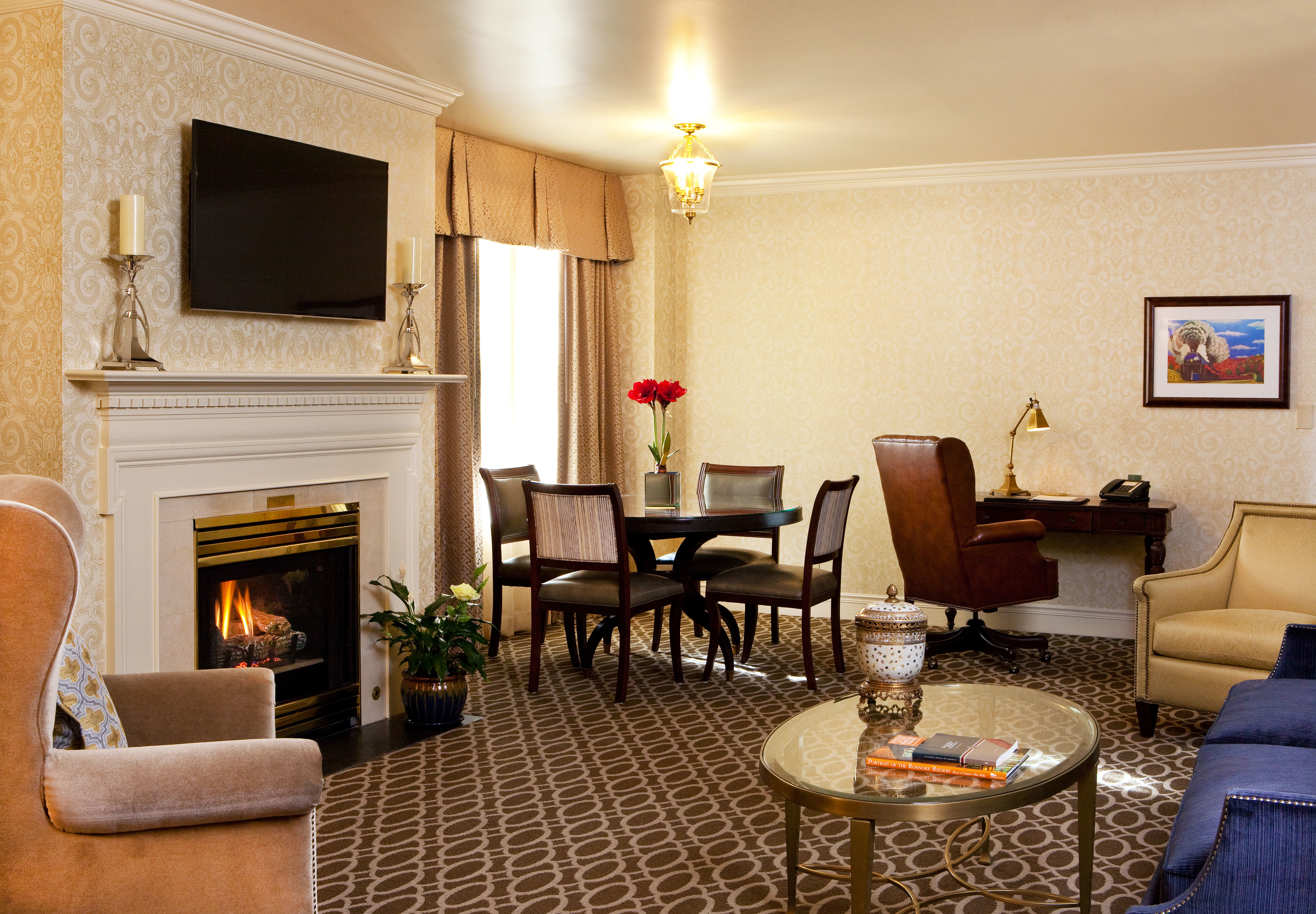The Hotel Roanoke  U0026 Conference Center  Curio Collection By