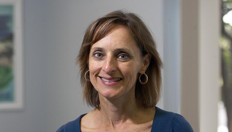 Susan R Hull
