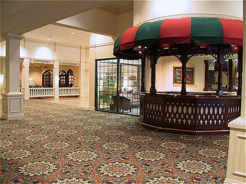 Holiday Inn Dubuque/Galena - ad image