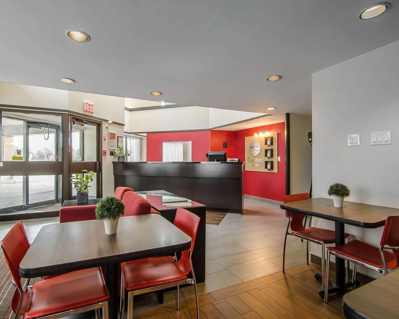 Comfort Inn in Prince Albert: Lobby