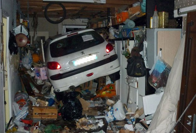 Junk Removal Las Vegas Also Does Smaller Jobs Like Appliance Removal Down  To Single Piece Furniture Removal In Las Vegas And Henderson Nevada.