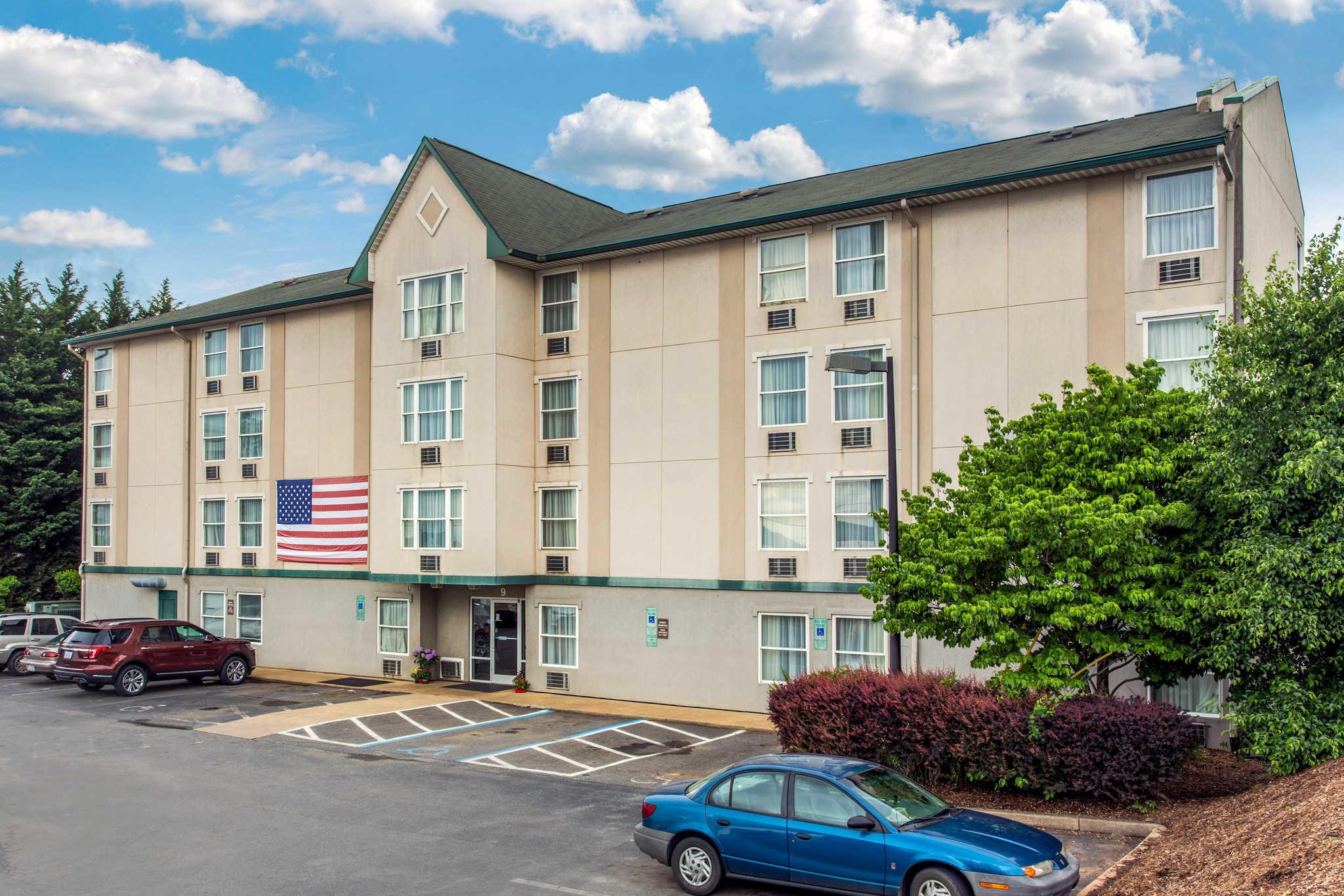 Hotels Near Asheville Civic Center