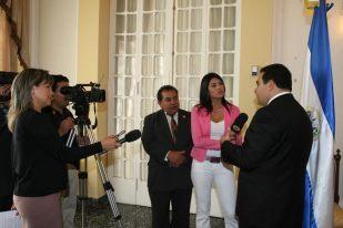 Abogados y Notarios Salvadoreños Estados Unidos y El Salvador - ad image