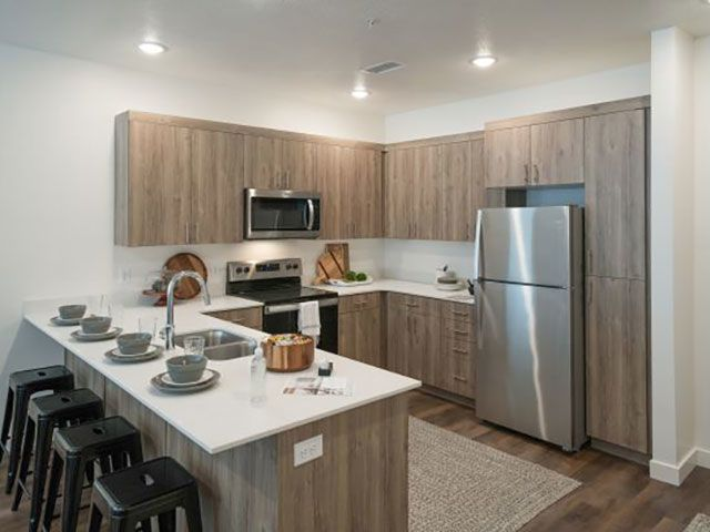 Kitchen Foothill Lofts Apartments & Townhomes Logan (435)238-7121