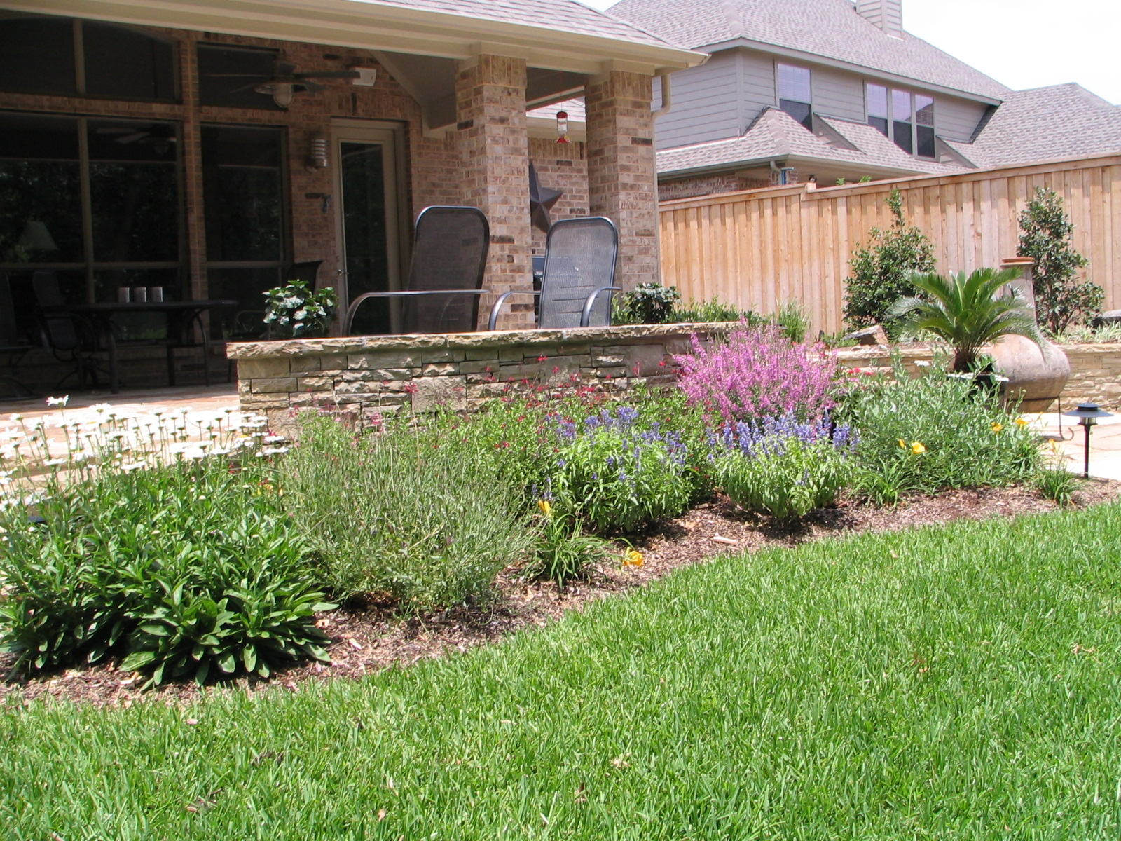 Plm professional landscape management in carrollton tx for Garden design landscaping farmers branch