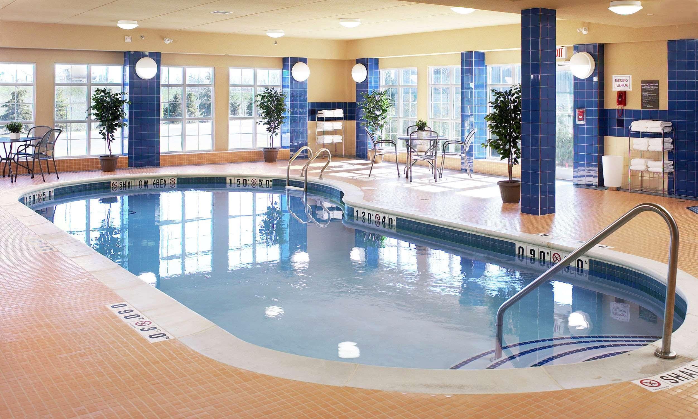 Homewood Suites by Hilton Burlington in Burlington: Pool
