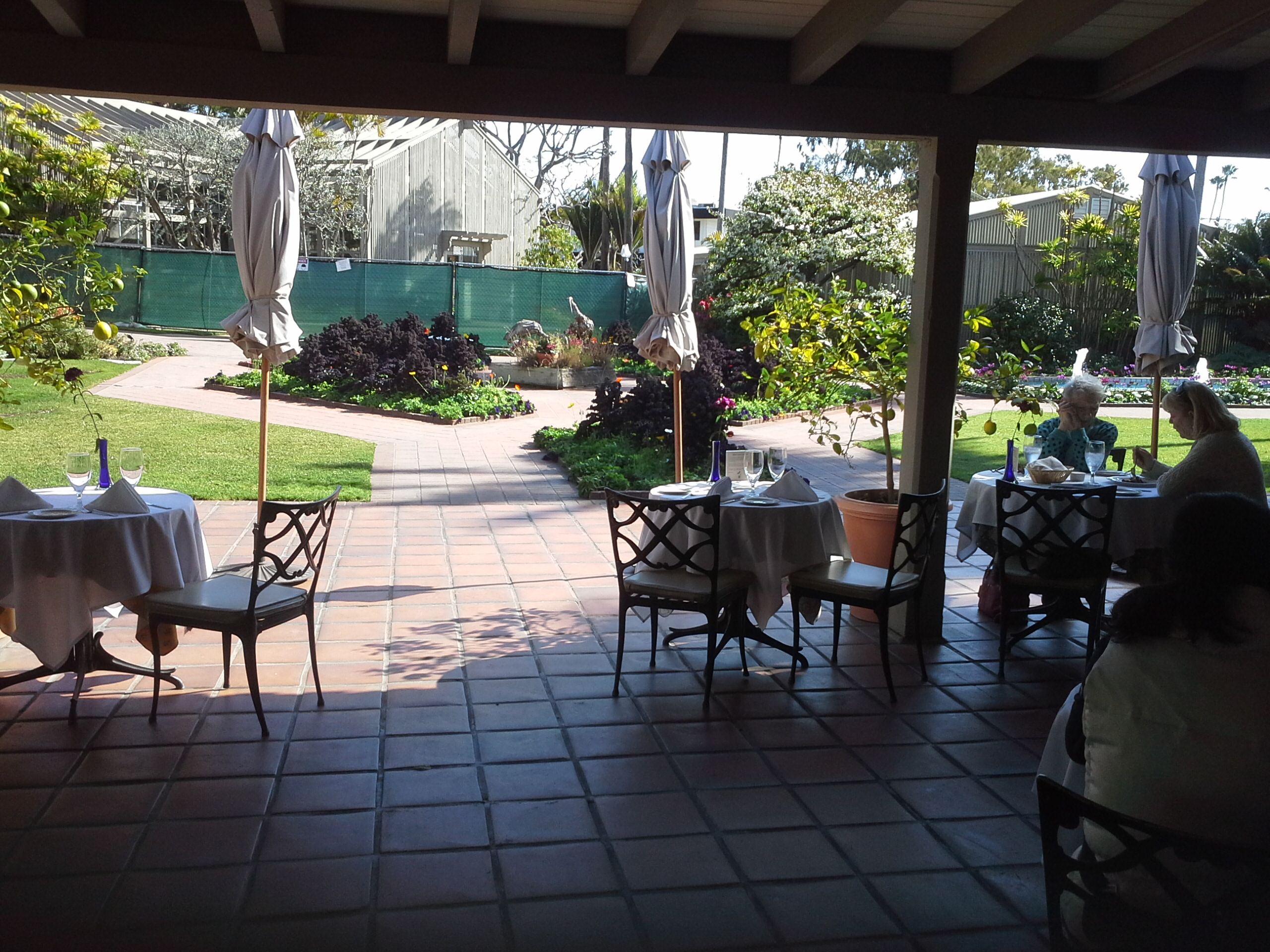 Cafe jardin corona del mar california for Cafe jardin corona del mar