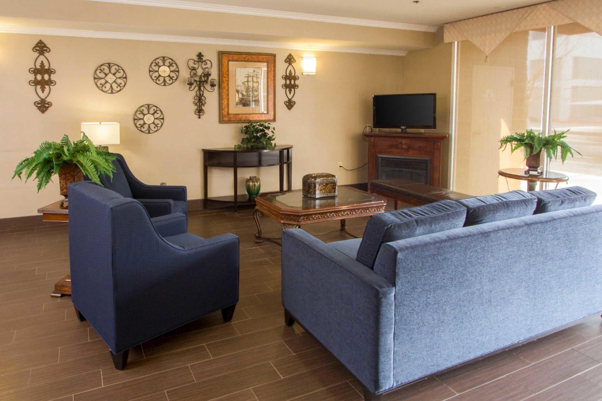 Comfort Suites Visalia Convention Center Visalia