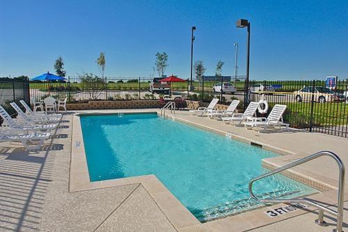 Motel 6 Ft Worth Northlake - Speedway image 5