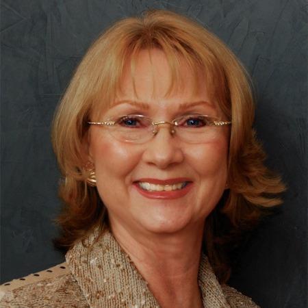 Linda Graves, Broker, Re/MAX Capital City