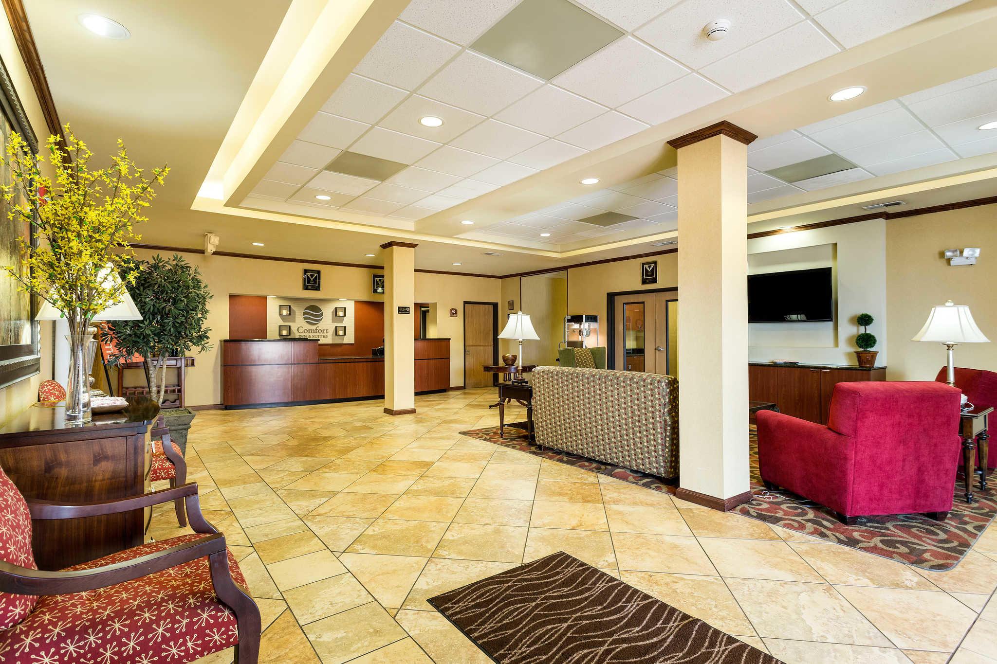 Comfort Inn Amp Suites In Blytheville Ar 72315