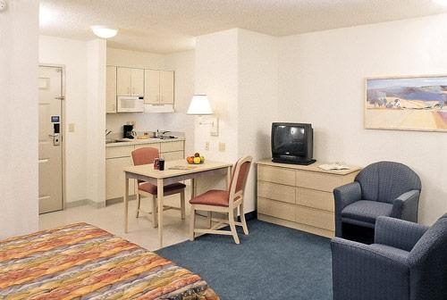 Studio 6 Ft Lauderdale - Coral Springs image 0