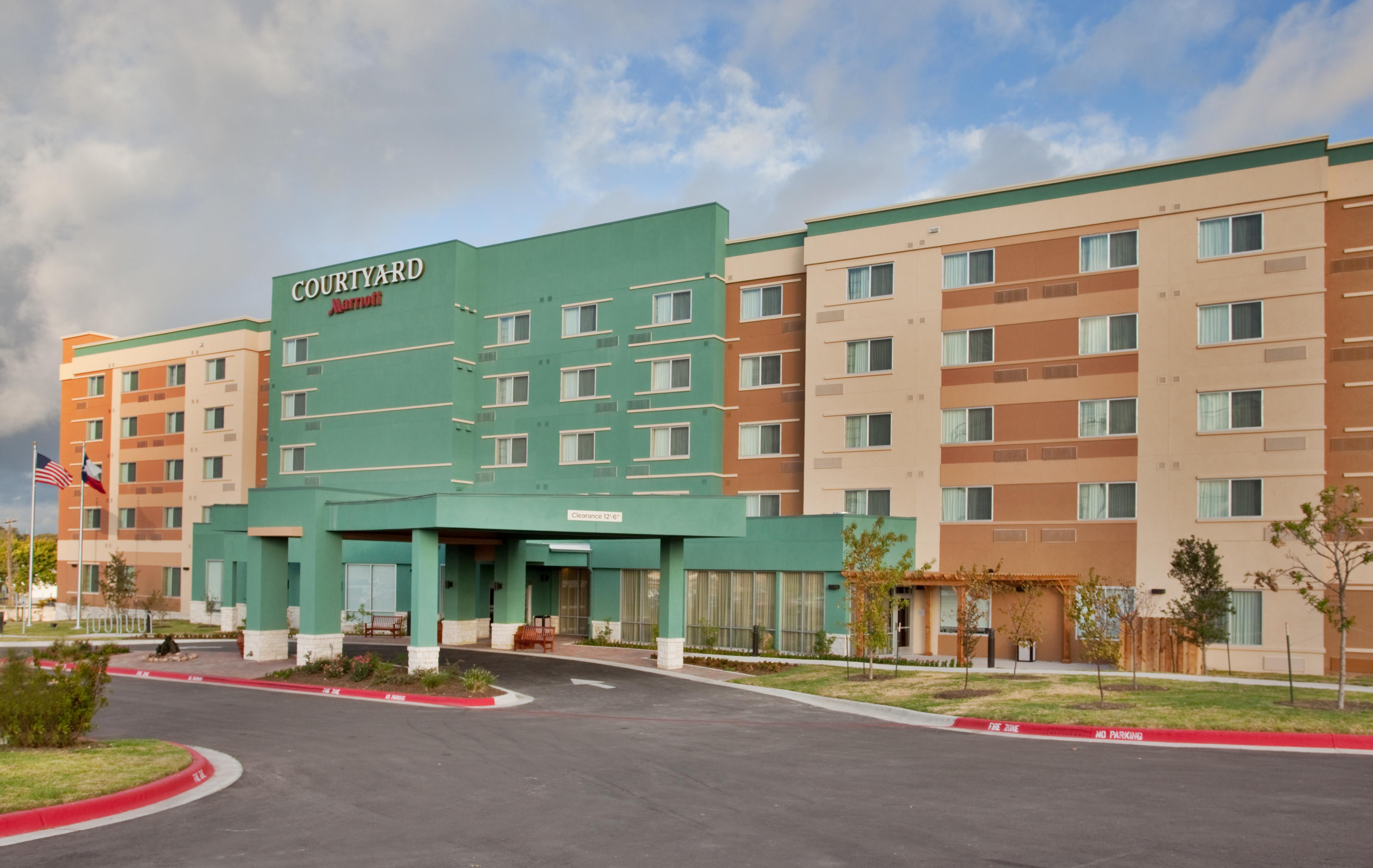 Courtyard by Marriott Austin North/Parmer Lane - Austin, TX -