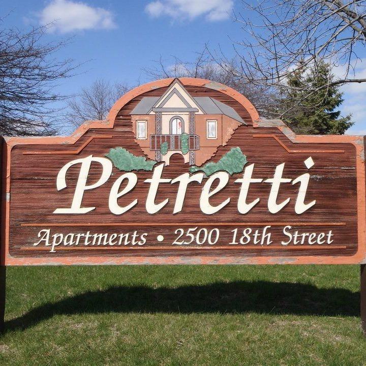 Petretti Apartments