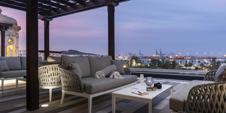 Alis Rooftop Bar