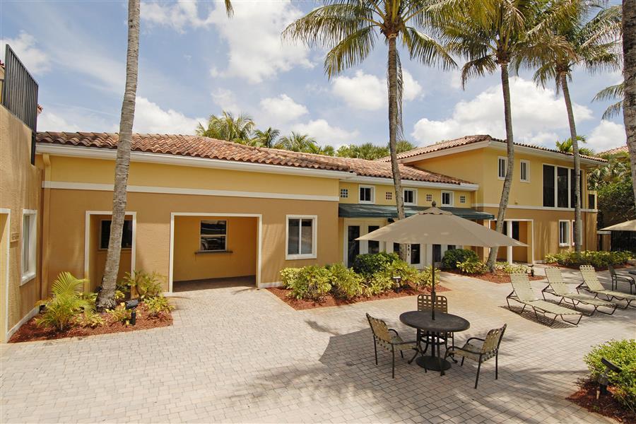 Coconut Palm Club Apartments In Coconut Creek Fl 33073