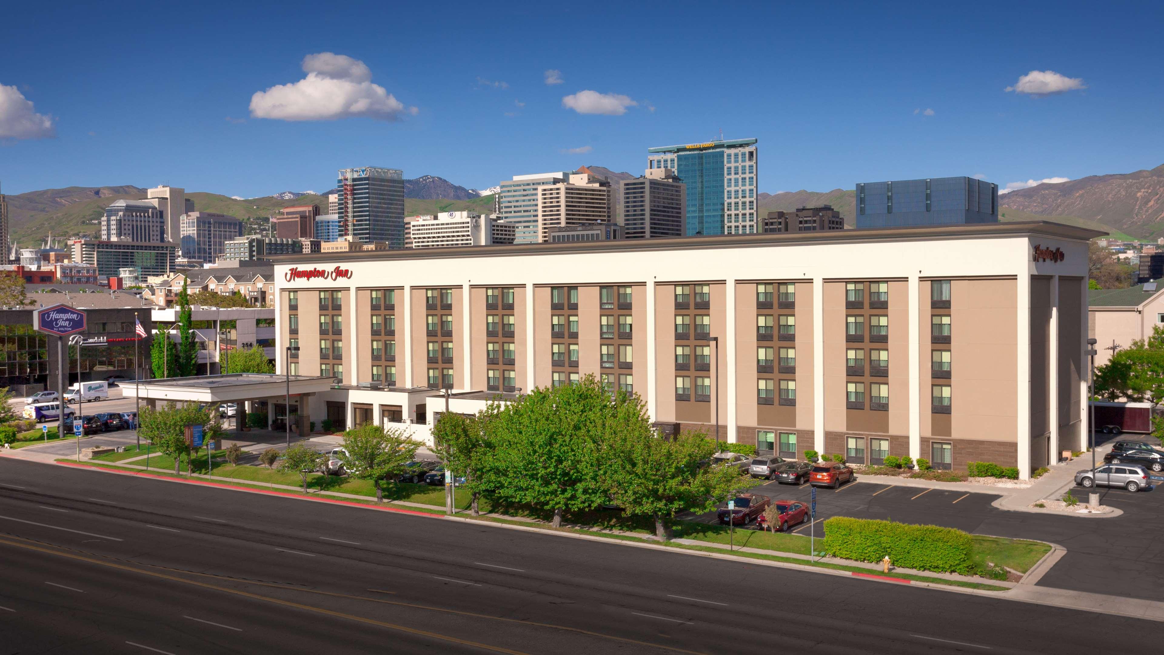 Hotels Near Salt Palace Convention Center