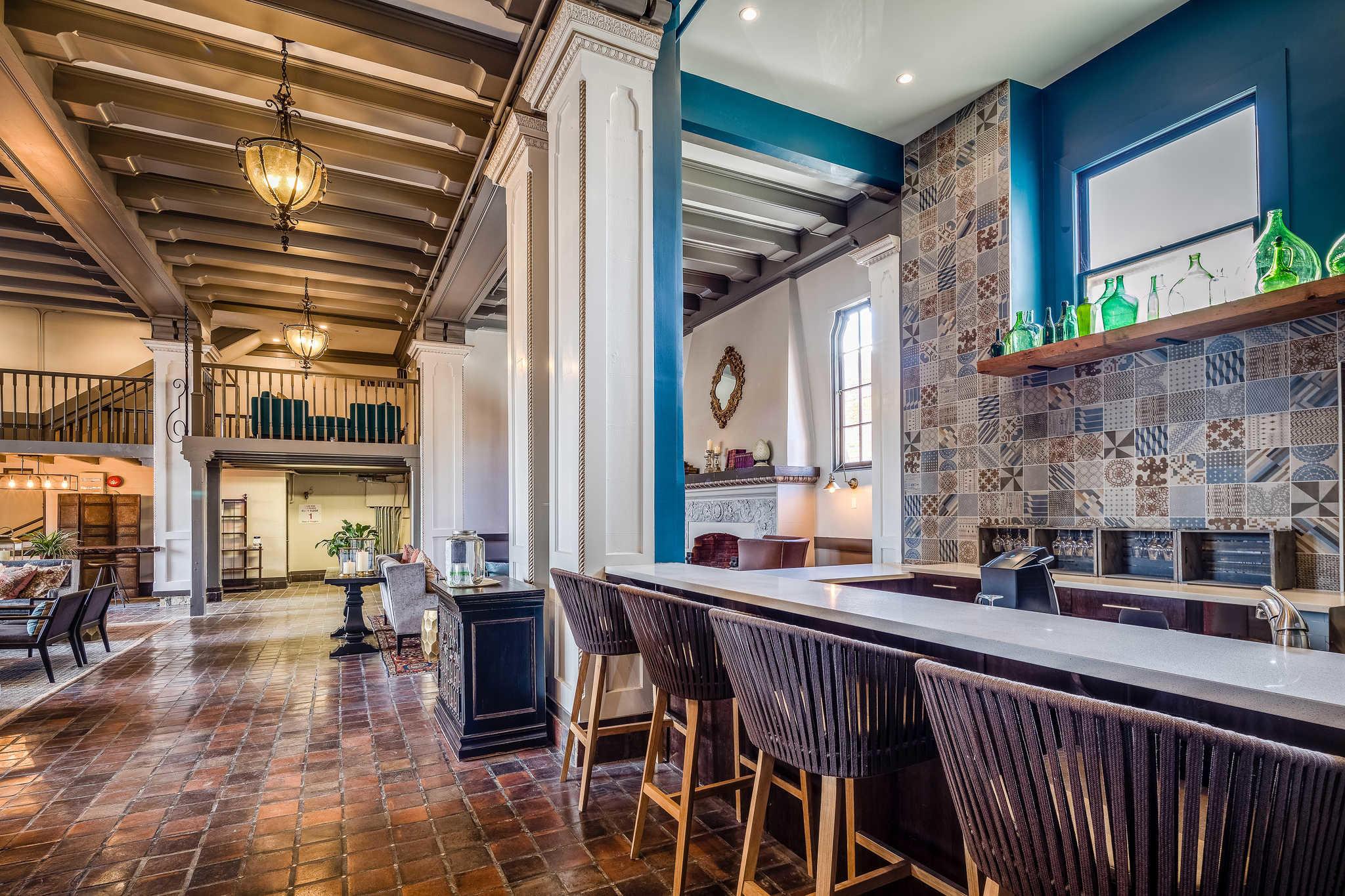 Metro Hotel And Cafe Petaluma Reviews