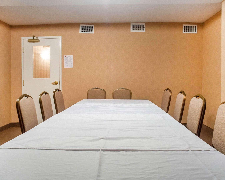 Meeting room Econo Lodge Woodstock (519)533-6066