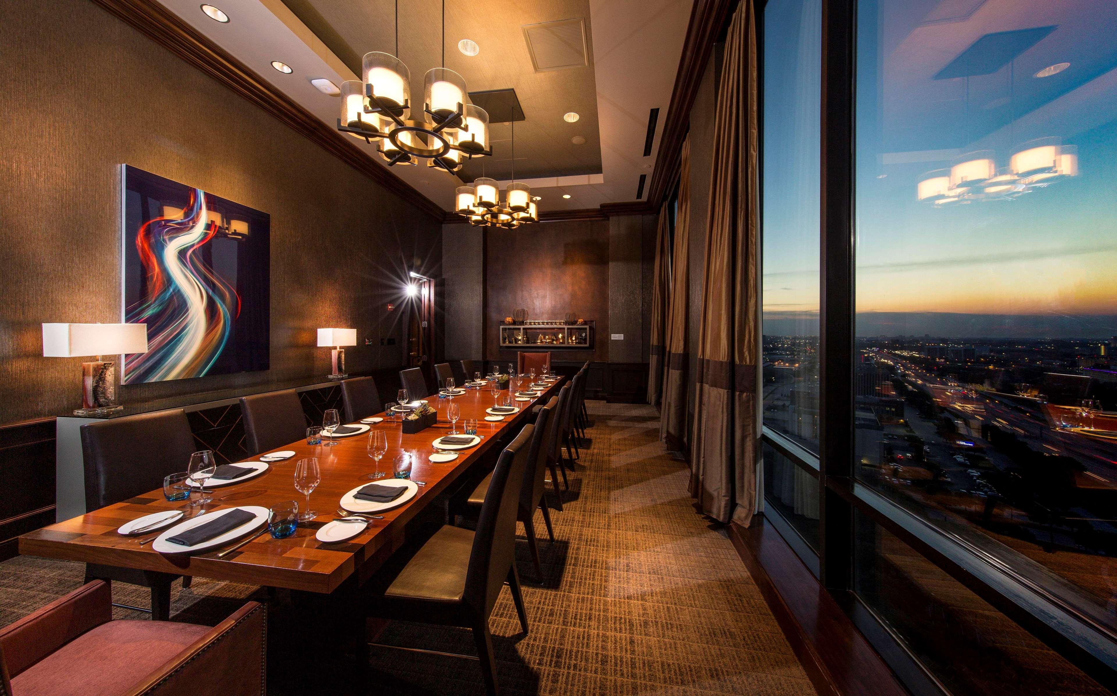 Restaurants Near Hilton Anatole In Dallas