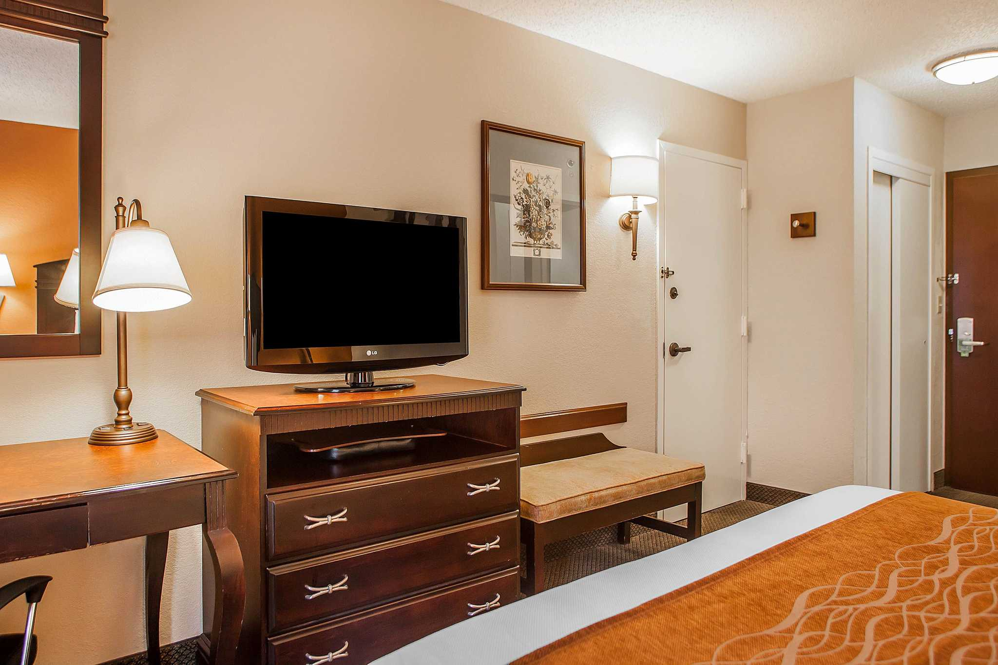 comfort inn amp suites somerset new jersey nj - Hilton Garden Inn Bridgewater